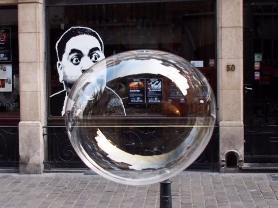 KY002 Khaled Youssef Make Bubbles not War Photograph