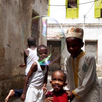KY010 Khaled Youssef Make Bubbles not War Photograph