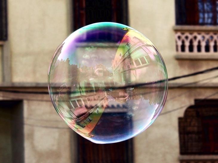 KY003 Khaled Youssef Make Bubbles not War Photograph