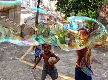 KY005 Khaled Youssef Make Bubbles not War Photograph